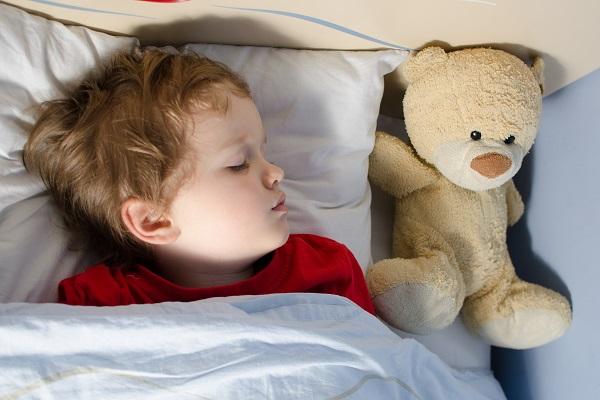 Consejos para tratar a los niños que no quieren ir a la cama