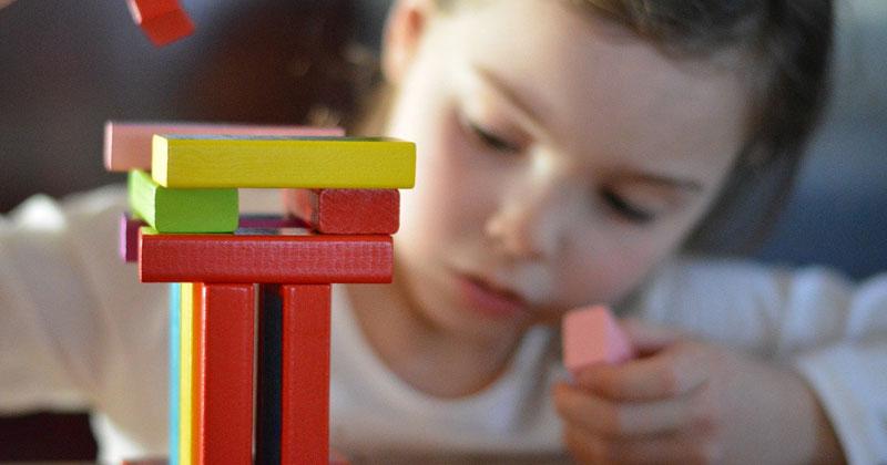 Jueguetes educativos montessori